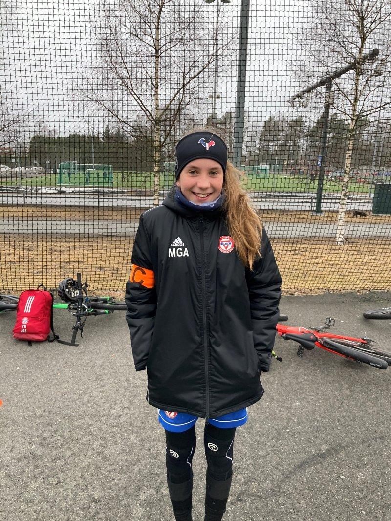 Matilde Aagaard J2008<br /><br />Matilde er en fotballspiller som ønsker kvalitet i alle øvelser. Fokus og tilstedeværelse kjennetegner denne jenta. Det er glimrende for treningsgruppa å ha en spiller som setter standarden og som viser et ønske om utvikling og progresjon i hver økt. Matilde er raus i møte med medspillere og ønsker at alle skal finne sin plass i fellesskapet.