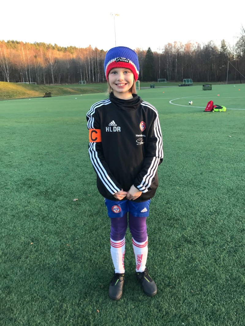 Hannah Lila Drabløs Rasmussen;Hannah er en spiller som sprer masse glede til gruppa og bidrar til godt miljø og lager god lagånd. Hun er veldig flink til å heie frem sine medspillere og gir innsats på hver eneste trening. Hun roser sine medspillere når de gjør noe bra og støtter de alltid.