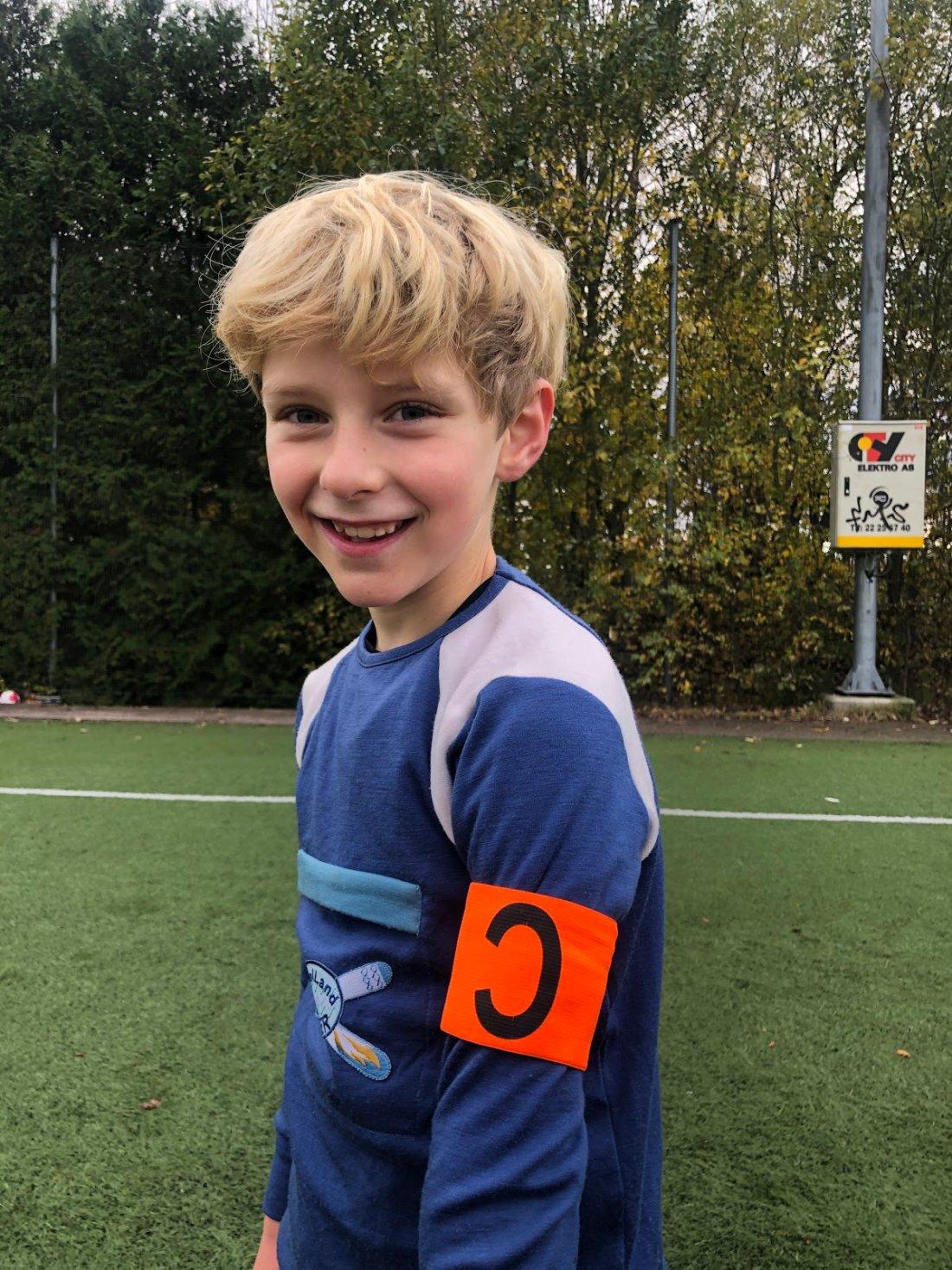 Hans Herman Løv-Vethe;<br />Herman spiller medspillerne sine gode. Han løfter blikket , spiller gode pasninger og er flink til å finne medspillere i gode posisjoner. Herman er ofte først til samling og lytter til trener og på det de andre på treningen har å si. Han er ivrig, og vi ser at han er glad i å spille fotball. Med denne innstillingen bidrar han til å skape gode treninger på akademiet!